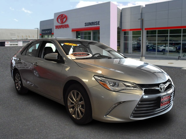 2015 Toyota Camry in Oakdale, NY