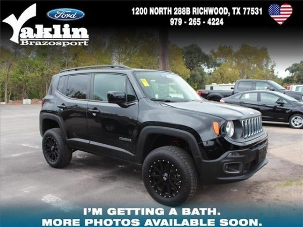 2017 Jeep Renegade in Richwood, TX