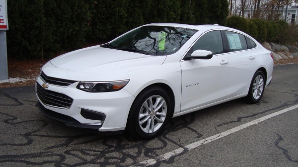 2018 Chevrolet Malibu in Portsmouth, NH