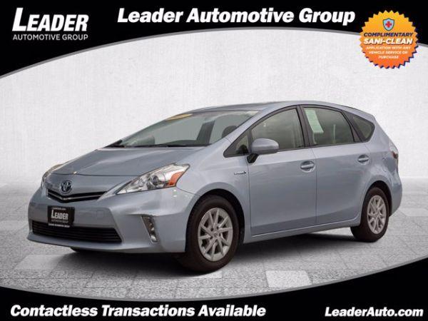 2013 Toyota Prius v in Lincolnwood, IL