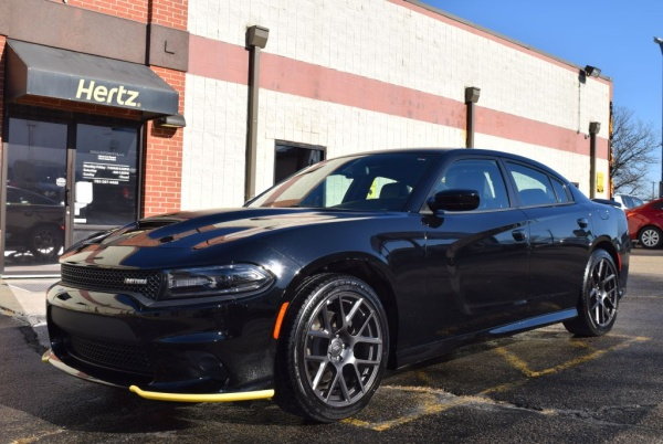 2019 Dodge Charger in Topeka, KS