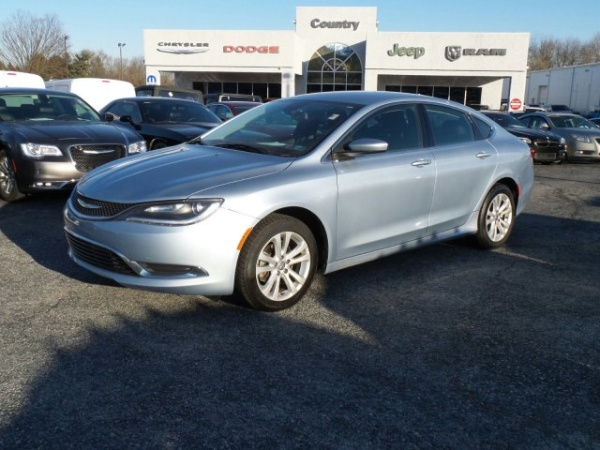 2015 Chrysler 200 in Oxford, PA