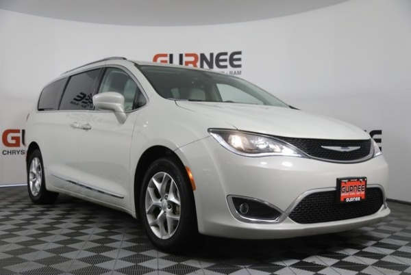 2017 Chrysler Pacifica in Gurnee, IL