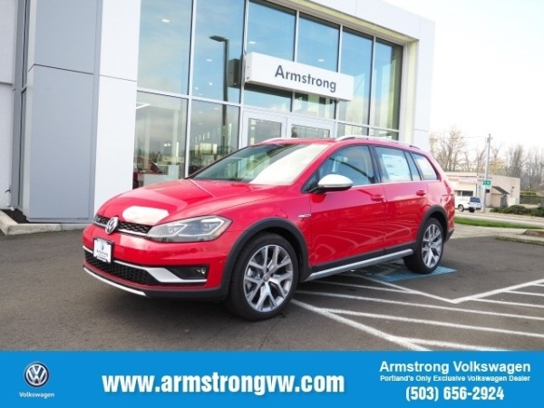 2019 Volkswagen Golf Alltrack in Gladstone, OR