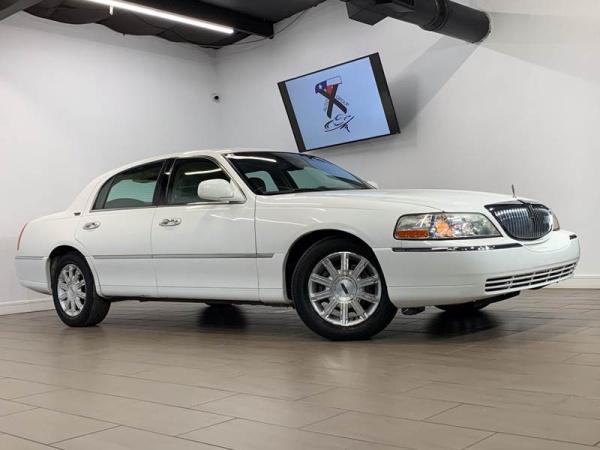 2006 Lincoln Town Car in Houston, TX