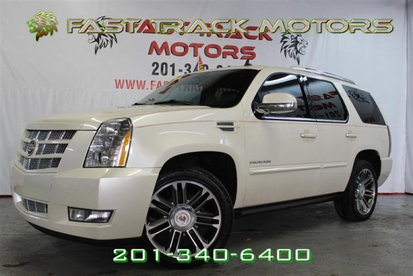 2013 Cadillac Escalade in Paterson, NJ