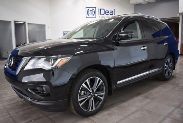 2018 Nissan Pathfinder in Eden Prairie, MN
