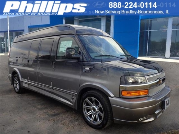 2018 Chevrolet Express Cargo Van in Bourbonnais, IL