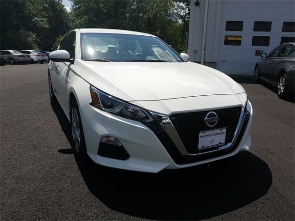 2020 Nissan Altima in Manchester, CT
