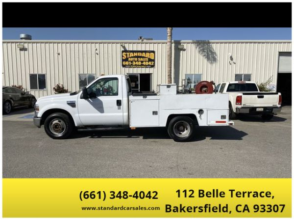 2008 Ford Super Duty F-350 Chassis Cab in Bakersfield, CA