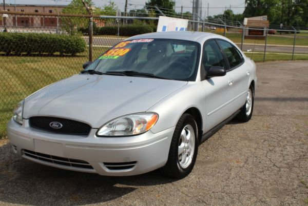 2005 Ford Taurus in Columbus, OH