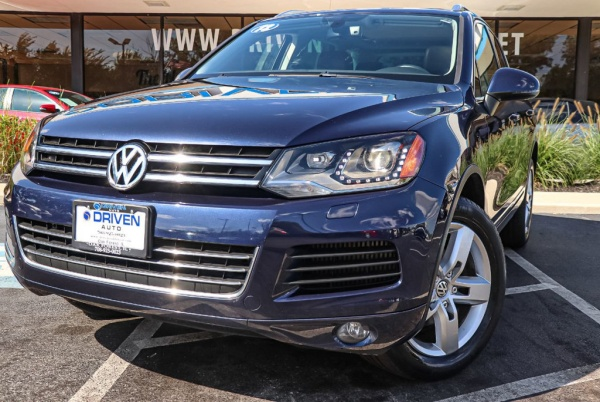 2012 Volkswagen Touareg in Oak Forest, IL