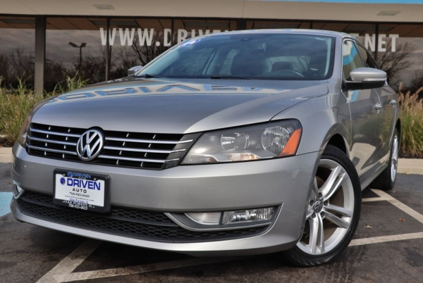 2014 Volkswagen Passat in Oak Forest, IL