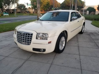 White Chrysler 300 >> Used 2010 Chrysler 300s For Sale Truecar