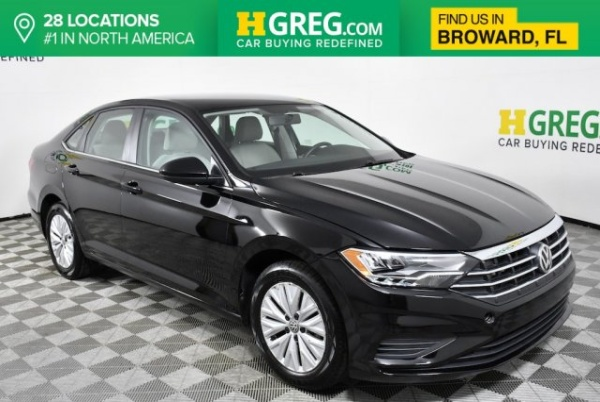2019 Volkswagen Jetta in West Park, FL