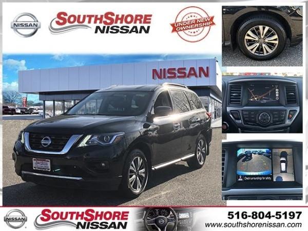 2017 Nissan Pathfinder in Amityville, NY