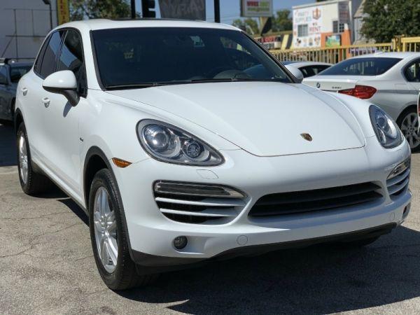2013 Porsche Cayenne in North Hollywood, CA