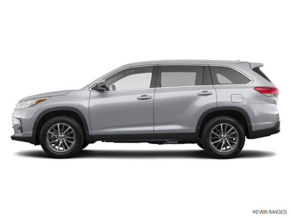 2019 Toyota Highlander in Massapequa, NY