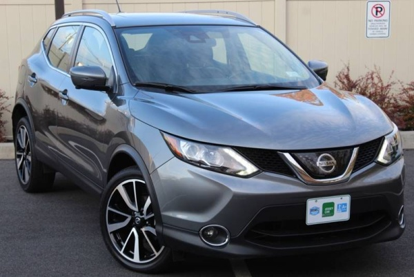 2018 Nissan Rogue Sport in Colonia, NJ