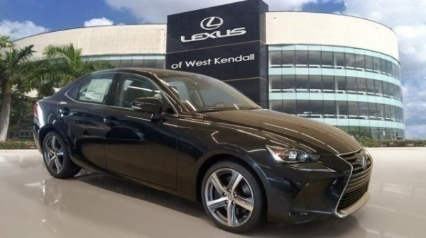 2019 Lexus IS in Miami, FL