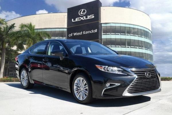 2017 Lexus ES in Miami, FL