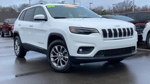 2019 Jeep Cherokee in Overland Park, KS