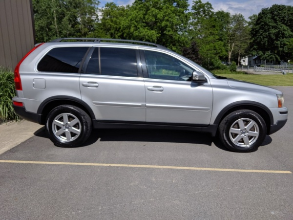 2007 Volvo XC90 3 2L with Sunroof and 3rd Row AWD For Sale