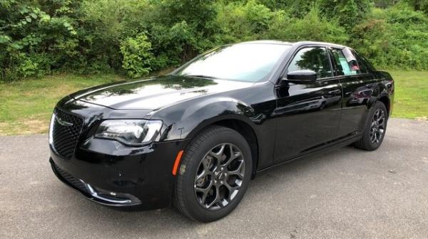2018 Chrysler 300 in Carmel, NY