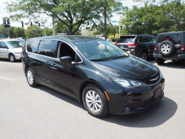 2017 Chrysler Pacifica in Orland Park, IL