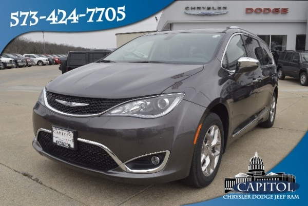 2017 Chrysler Pacifica in Jefferson City, MO