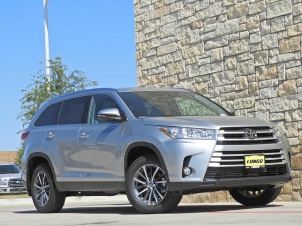 2019 Toyota Highlander in Prosper, TX
