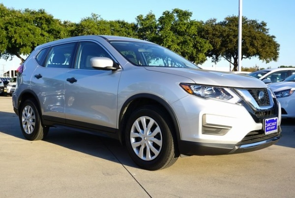 2018 Nissan Rogue in Irving, TX