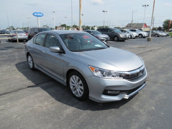 2017 Honda Accord in Maumee, OH