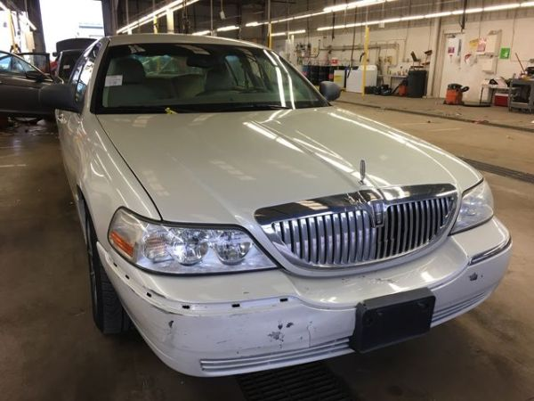 2005 Lincoln Town Car in Colorado Springs, CO
