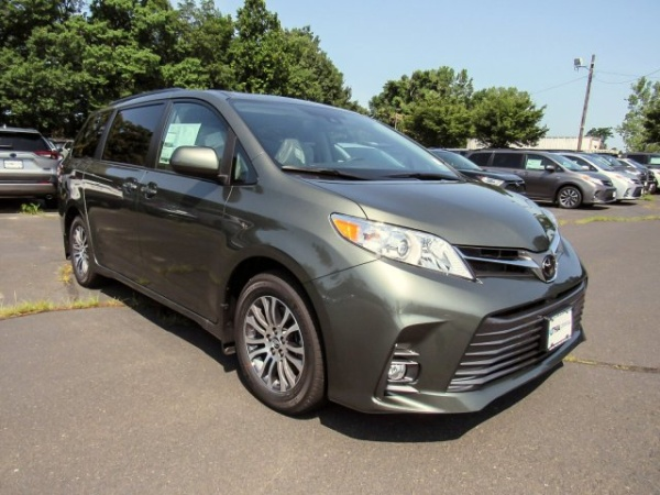 2020 Toyota Sienna in Ramsey, NJ