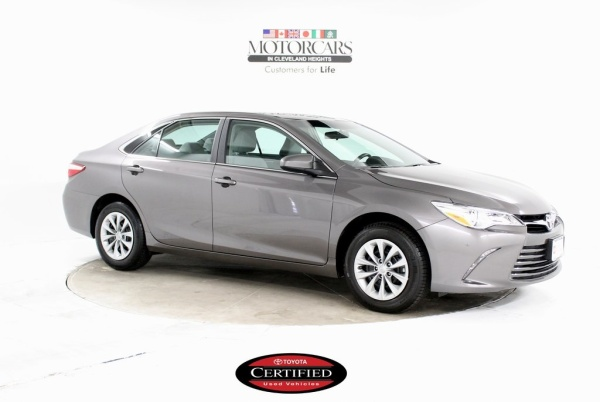 2017 Toyota Camry in Cleveland Heights, OH