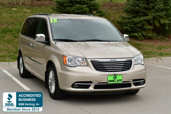 2015 Chrysler Town & Country in Omaha, NE