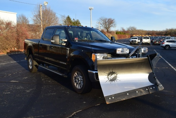 2017 Ford Super Duty F-350 in Middletown, RI