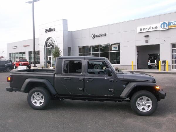 2020 Jeep Gladiator in Ellington, CT