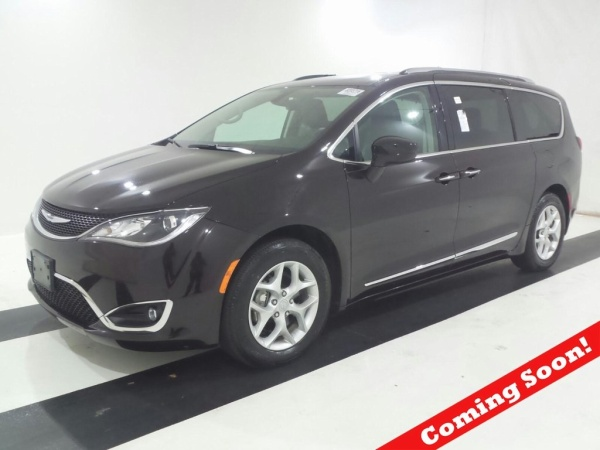 2018 Chrysler Pacifica in Bedford, OH