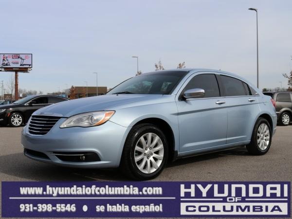 2013 Chrysler 200 in Columbia, TN