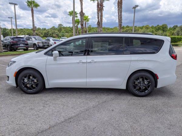 2020 Chrysler Pacifica in Daytona Beach, FL