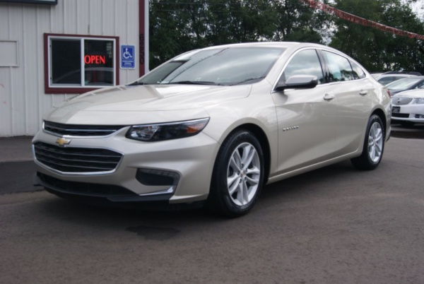 2016 Chevrolet Malibu in Inver Grove Heights, MN