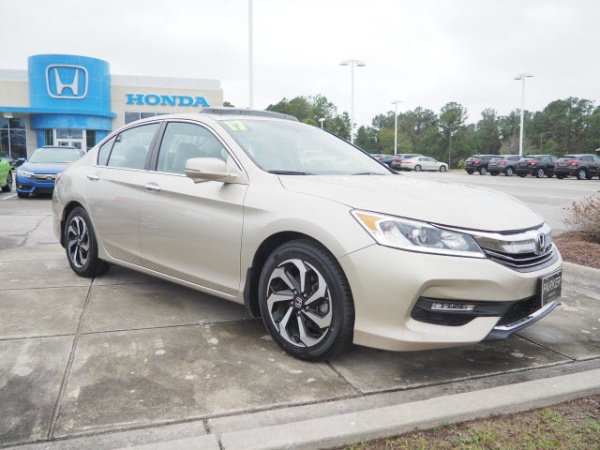 2017 Honda Accord in Morehead City, NC