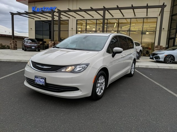2017 Chrysler Pacifica in Napa, CA