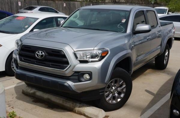 2017 Toyota Tacoma in Dallas, TX