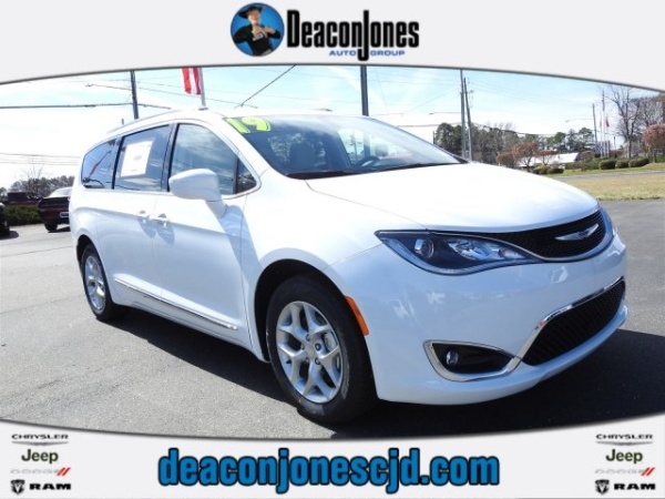 2019 Chrysler Pacifica in Smithfield, NC