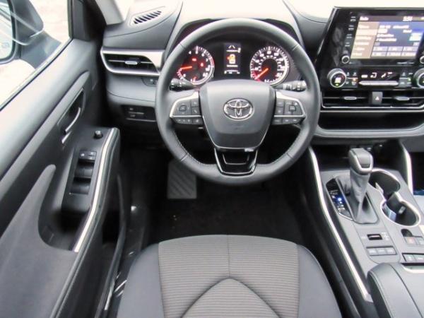 2020 Toyota Highlander in Ledgewood, NJ