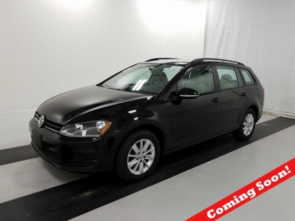 2016 Volkswagen Golf in Akron, OH