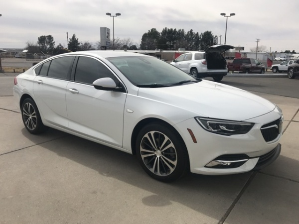 2018 Buick Regal Essence